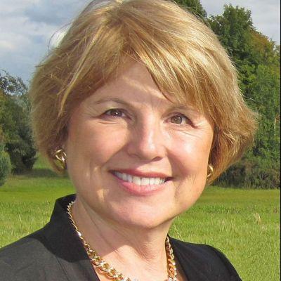 Sandra J Doran