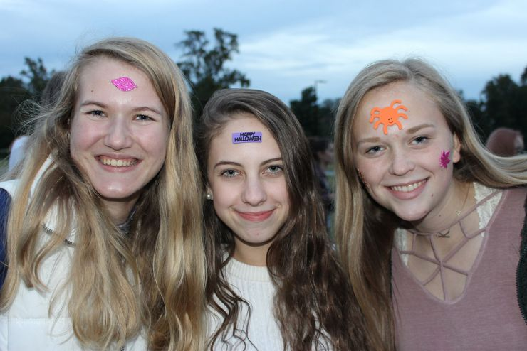 Love Salem - students with face decorations demonstrating their love of Salem